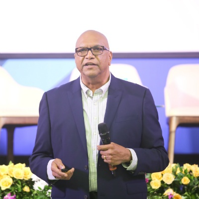 Dr. Balakrishna Grandhi, Dean - Global MBA & MGB and Professor of Marketing & Strategy at SP Jain, conducts a session on 'Technology for Disruptive Innovation'