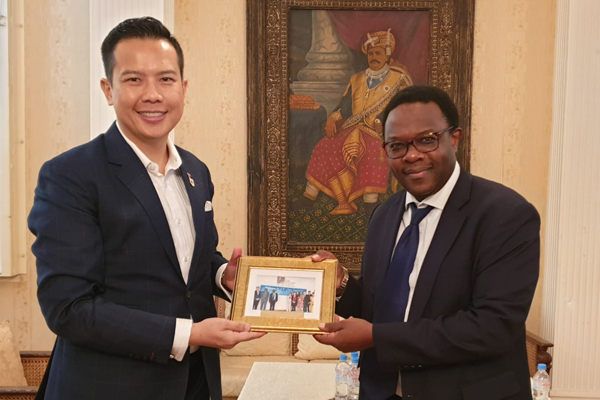 Dr John Fong, High Commissioner of the Republic of Rwanda, Guillaume Kavaruganda