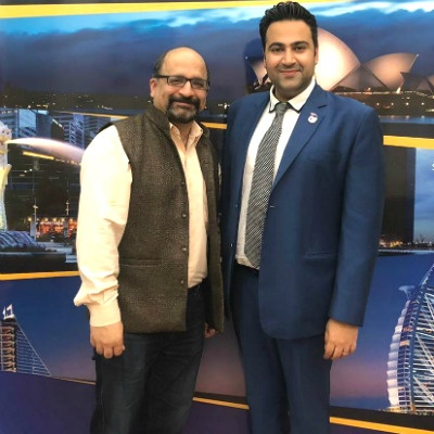 (Left to right) Mr. Sandeep Khanna, People & Organisational Development (OD) Lead of Grab (Singapore) and Mr. Karan Kumar, General Manager (Corporate Relations) of SP Jain School of Global Management