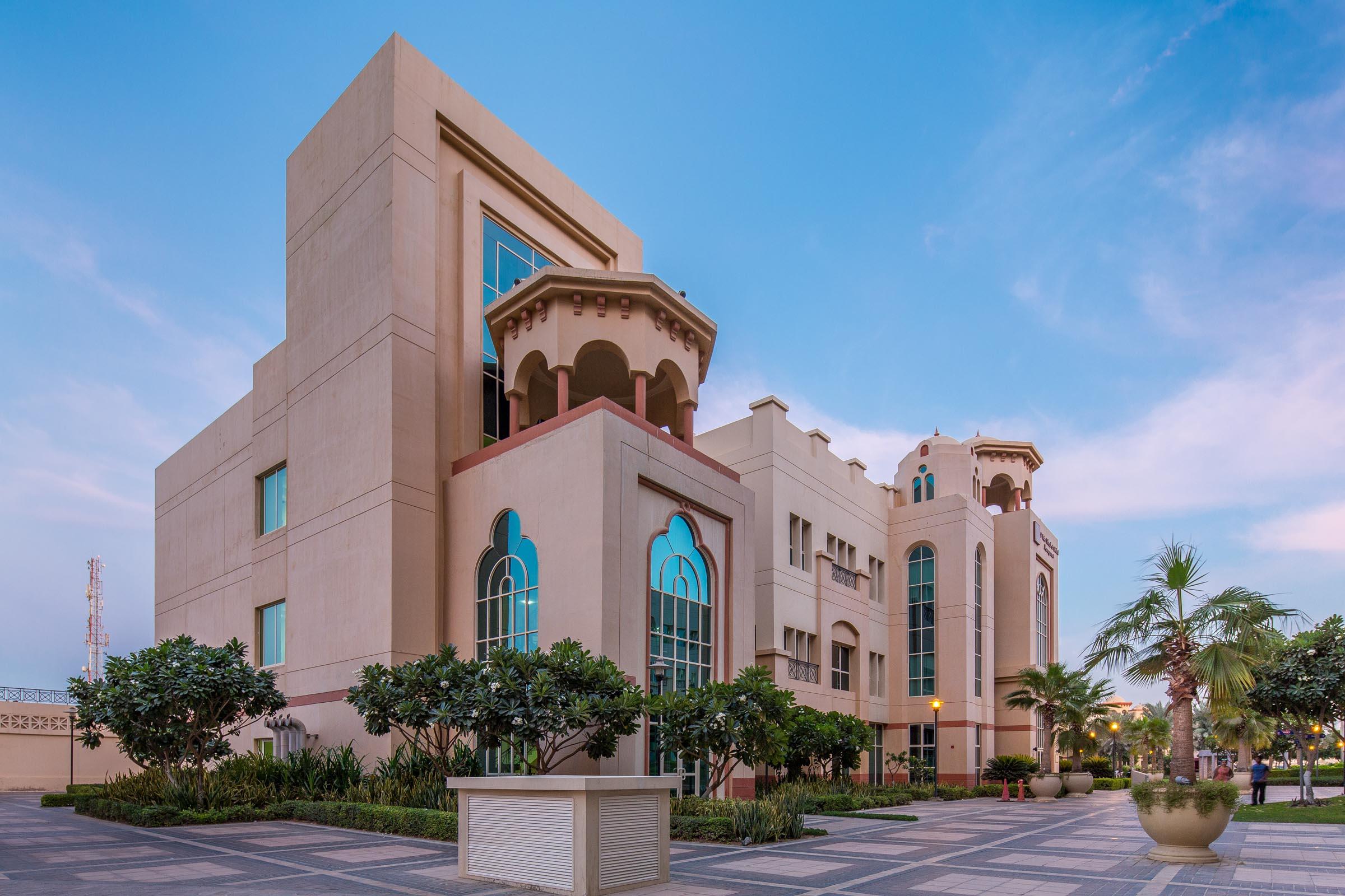 Dubai_campus_side.jpg