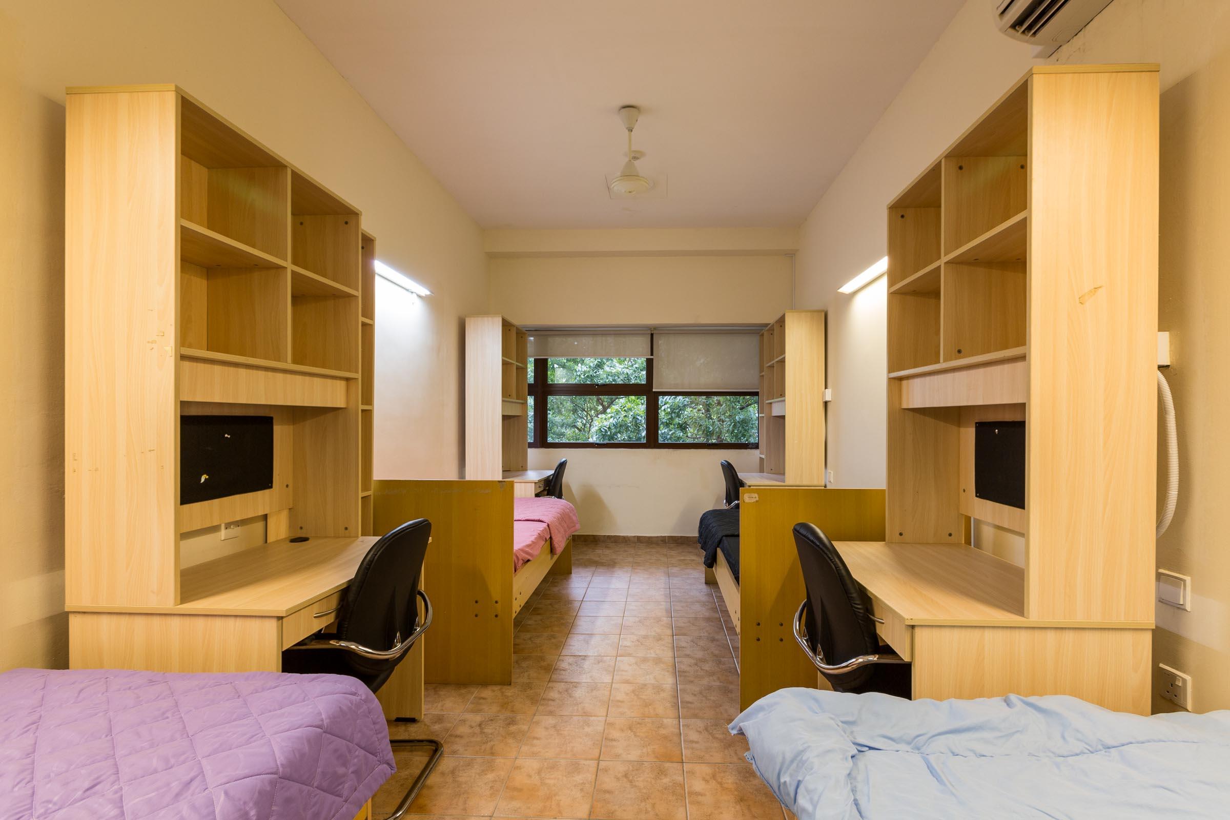 Singapore_accommodation_bedroom_1.jpg