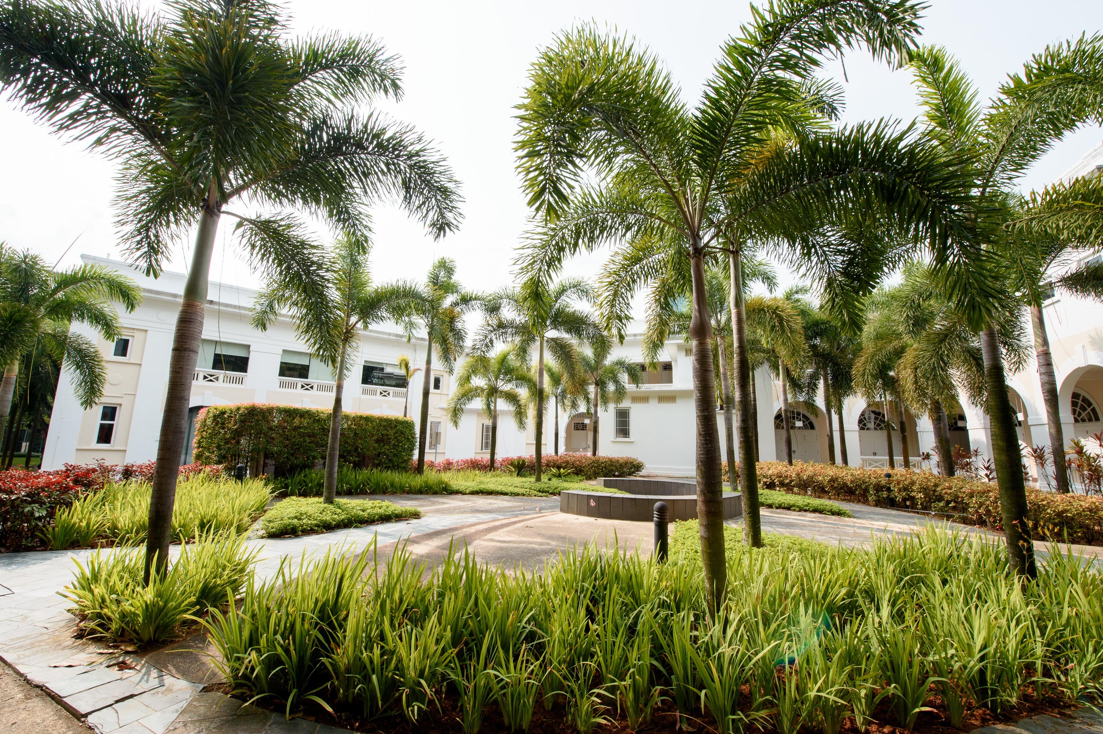 Singapore_courtyard.jpg