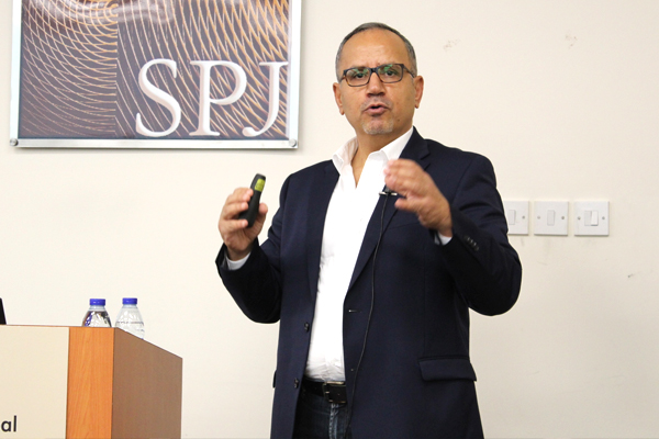 "Ala Mohammad – Senior Director, Global Supply Chain & SC Relationship Partner for Japan, Middle East & Africa at McDonald's – shares his experience of ""Building the Value Chain for McDonald's"" with our students"