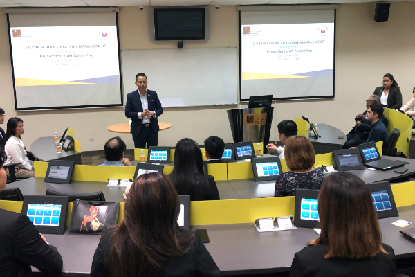 Dr John Fong, CEO & Head of Campus (Singapore) – SP Jain, presents more information about the School's latest innovation – Engaged Learning Classroom (ELC)