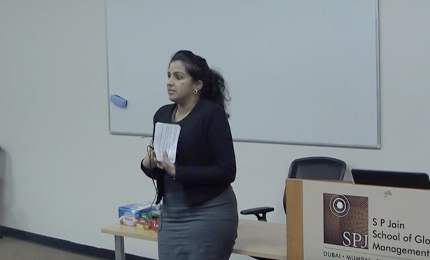 Rashmee Raghu (MGB 2017) speaks with the students at the Dubai campus