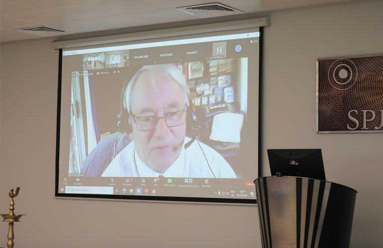 Dr John Lodewijks (Professor and Vice President – Academic, SP Jain) welcomes students virtually from Sydney