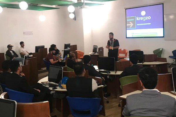 "Nitin Bhalla, Founder of Kregzo, spoke about ""Connecting the dots between Passion and Innovation"" as part of SP Jain's Innovation Series at its Dubai campus"