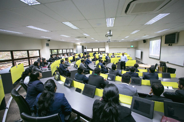 Dr. Balakrishna Grandhi, Dean (GMBA & MGB), introduced the students to the tri-city postgraduate programs